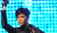 Rihanna Sevgilisinden Dayak Yedi
