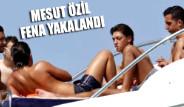 Mesut Özil Fena Yakalandı!