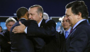 Erdoğan ve Obama Birbirlerine Sarıldı