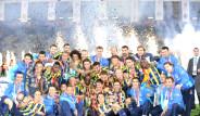 Fenerbahçe Kupayı Böyle Kaldırdı