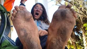 ABD'yi Yürüyerek Gezen 'Çıplak Ayak' Arabanın Altında Kaldı