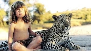 Leopar ve Fillerle Birlikte Büyüyen Küçük Kız Büyüdü
