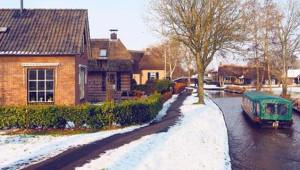 Masal Diyarına Kar Yağmış Gibi Gözüken Hollanda Köyünden 18 Kare