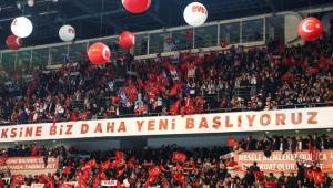 AK Parti 'Evet' Kampanyasına Başladı! İşte Ankara Arena'dan Kareler