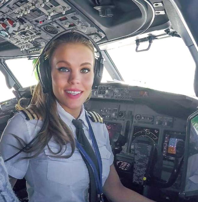 İsveçli Pilot Sosyal Medyayı Salladı