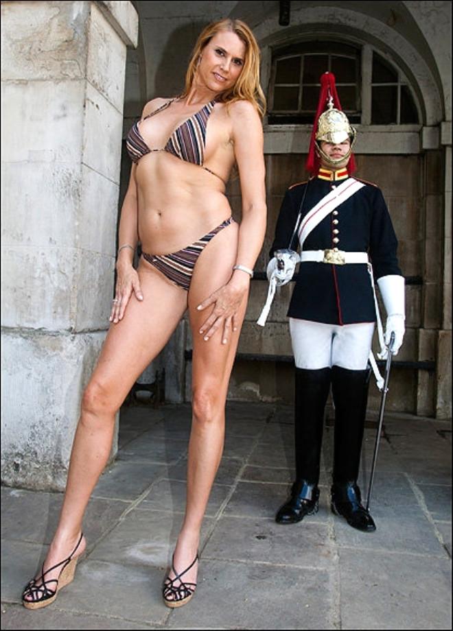 Dünyanın 2 Metre 13 Cm'lik En Uzun Kadını