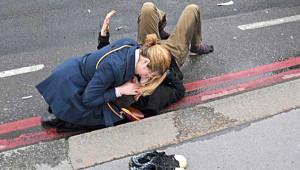 İngiltere'deki Terör Saldırısından Kan Donduran Fotoğraflar