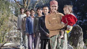 Hintli Kadın 21 Yaşında Ama 5 Kocası Var, Üstelik 5'i de Kardeş!