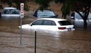 Kasırgayı Yeni Atlatan Kent Yağış Yüzünden Sular Altında!