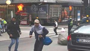 İsveç'teki Kamyonlu Saldırıdan Korkunç Görüntüler