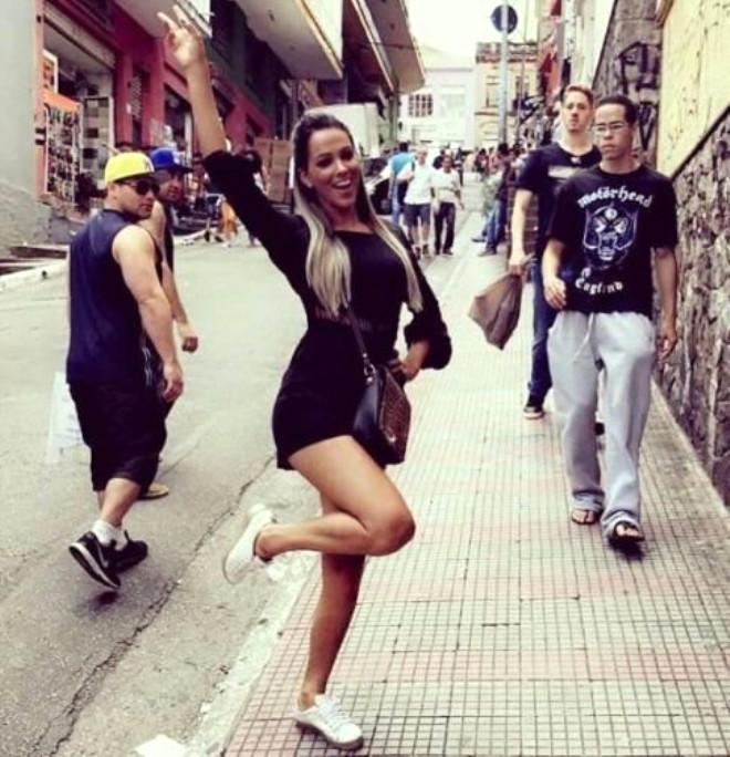 Brezilyalı Kadın Hakem Ateşli Instagram Pozlarıyla Olay Yarattı!