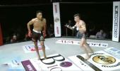 İngiltere'de Amatör Dövüşte Dans Ederek Alay Eden Dövüşçü Fena Dayak Yedi