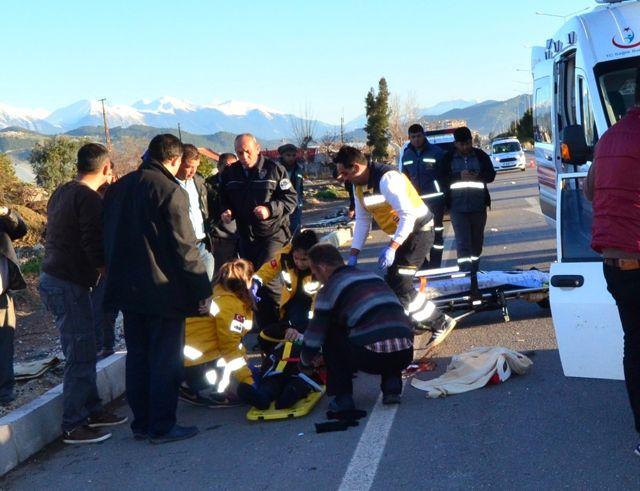 Antalya'da Trafik Kazası: 1 Ölü, 3 Yaralı, System.String[]