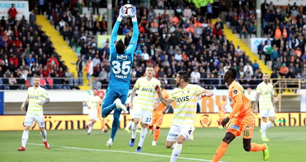 Fenerbahçe Soyunma Odasına Dürüm Getiren Kişi Konuştu!