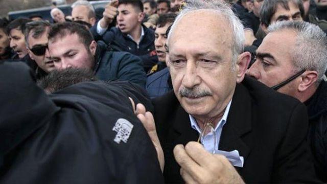 Son Dakika! Kılıçdaroğlu, Şehit Cenazesinde Kendisine Saldıranlardan, Avukatı Aracılığı ile Şikayetçi Oldu