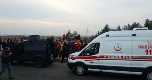 Diyarbakırda polise bombalı saldırı: 4 şehit, 1i ağır 2 polis yaralı