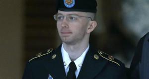 Obama, casusluk suçundan 35 yıla mahkum edilen Manningi affetti