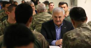 Başbakan Yıldırımla aynı sofrayı paylaşan asker şehit oldu