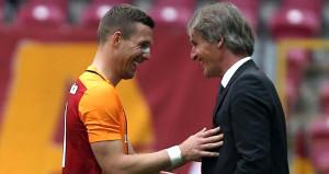 Transferi gündemde olan Podolski, Riekerinkle görüştü: Hazırım