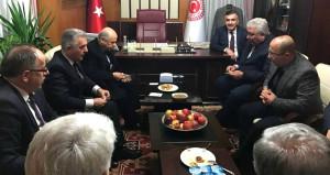 AK Parti'li milletvekilinden Bahçeli'ye patates ikramı