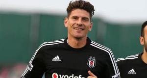 Beşiktaş-Mario Gomez flörtü mutlu sonla bitti