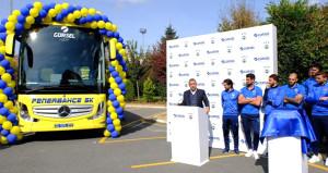 Şaka gibi olay! Fenerbahçenin otobüsü hızlı gidemiyor