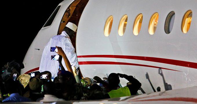 Gambiya'nın eski lideri uçağa binip gitti! 11 milyon dolar ortada yok