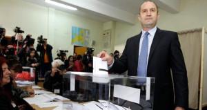 Cumhurbaşkanı parlamentoyu feshetti, ülke erken seçime gidiyor!