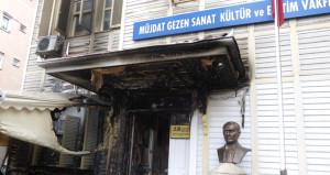 Müjdat Gezen Sanat Merkezi'ne saldıran şahıs yakalandı
