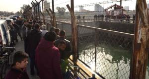 Nehrin içinde bulundu, haberi duyan vatandaş izlemeye koştu
