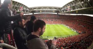 Beşiktaşlı taraftarlar, Galatasaray efsanesine küfür yağdırdı