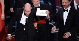 Oscarda büyük rezillik! Büyük ödülü verdiler, sonra pardon dediler