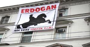 Türkiyenin büyükelçiliğine çirkin saldırı!
