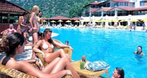 Milyonlarca turist Türkiye'ye akın edecek