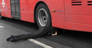Otobüsün altında kalan kadın Türk kökenli çıktı