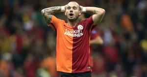 Ayrılmayacağım diyen Sneijder ağız değiştirdi