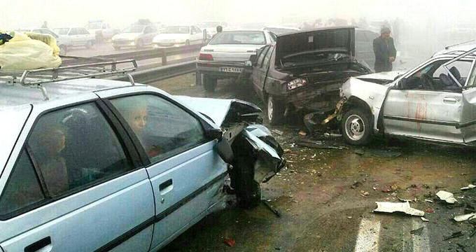 Tam 130 araç birbirine girdi: 1 ölü, 89 yaralı