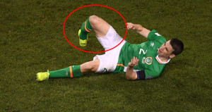 Yıldız oyuncunun ayağı tam ortadan kırıldı