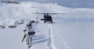 Karlı dağlar engel olmadı, asker PKKnın inlerini tek tek patlattı