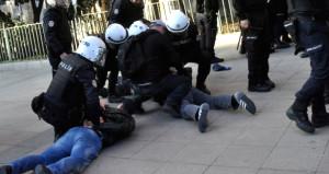 İstanbul Üniversitesi karıştı! Çok sayıda öğrenci gözaltında