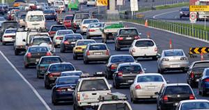 İthal 2'nci el araç alanlara Bakan'dan müjdeli haber
