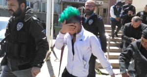 Bursanın baş belası yeşil saçlı kız yakalandı