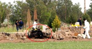 Suruç'ta polisi fark eden kadın terörist, bombalı aracı patlattı