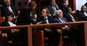 Bacak bacak üstüne atan diplomat neye uğradığını şaşırdı