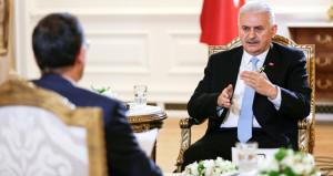 Başbakan'a 'kabine değişikliği' soruldu, Erdoğan'ı işaret etti