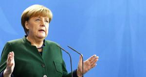 Merkelden ABye küstah referandum çağrısı: Tek ses olun