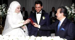 Ünlü türkücüden oğluna görkemli düğün!