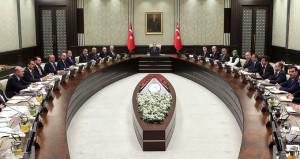 Erdoğanın en yakınındaki isim kabineye giriyor