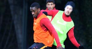 Galatasaray, yokları oynayan 2 futbolcunun biletini kesti