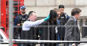 Londra'da elinde bıçakla saldırı hazırlığı yapan şüpheli yakalandı